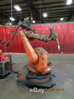 2006 ABB m2004 IRC5 Robotic Complete Welding Cell with Miller Welder Gun Table