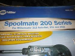 MILLER 907405 MILLERMATIC 212 AUTO SET WELDER With SPOOLMATE 200 SERIES GUN