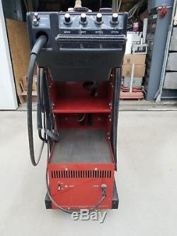 Snap On YA205 Mig Welder. Body Shop Type Welder. Has an extra Gun and Cord